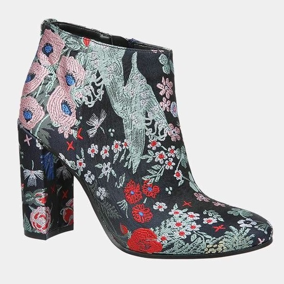 7608d9eb9c8eb SAM EDELMAN Cambell Floral Block Heel Ankle Boots.  M 5aba0f0a2ab8c5edb9171580